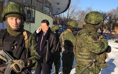 Кобзон в Донецке показал неприличный жест Порошенко