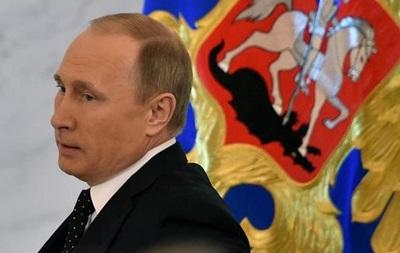 Bloomberg: Путин управляет экономикой России на  двойку