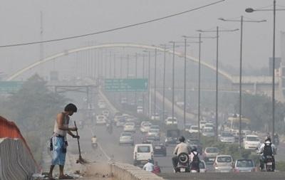 В Дели ограничили передвижение на автомобилях