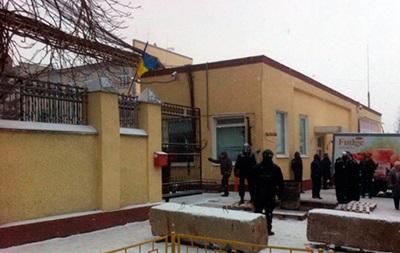 Полиция взяла под охрану фабрику в Житомире