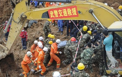 Оползень в Китае: найдены тела около 60 жертв