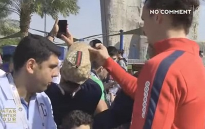 Златан Ибрагимович украл кепку у поклонника клуба
