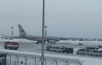 Стало известно, кто прилетел в Киев на российском самолете