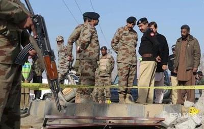 Взрыв возле медцентра в Пакистане: 15 погибших