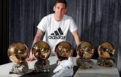 Adidas випустив нові бутси для Мессі на честь п ятого Золотого м яча