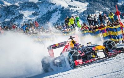 Голландский гонщик проехал по горнолыжной трассе на болиде Формулы-1