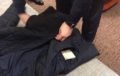 У Києві на хабарі затримано полковника і майора поліції
