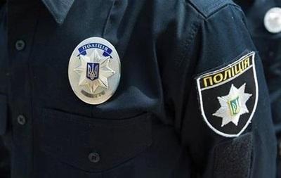 В Киеве женщина-водитель сбила и покусала полицейского
