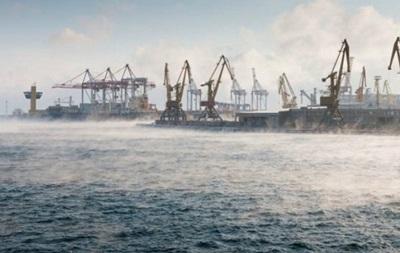 Снігопади порушили роботу українських портів