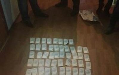 В Днепропетровске полицейские попались на взятке