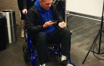 Глазков после боя с Мартином покинул арену на инвалидной коляске