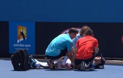 Аргентинского теннисиста унесли на носилках с корта на Australian Open