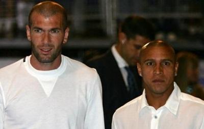 Зидан не хочет, чтобы Роберто Карлос становился его помощником в Реале