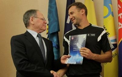 Сабо: Работа в сборной придаст Шевченко уверенности в своих силах
