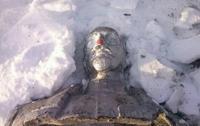 На Полтавщине демонтировали три памятника
