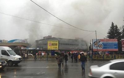 В Ужгороді горить універмаг