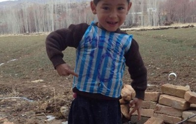 Мессі запросив до Іспанії свого 5-річного шанувальника з Афганістану