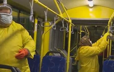 В Киеве из-за гриппа дезинфицируют троллейбусы