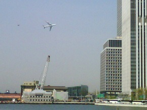 Самолет Обамы и пара истребителей вызвали переполох на Манхэттене