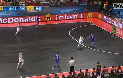 На матчі Євро-2016 з футзалу вивісили прапори Новоросії і ДНР
