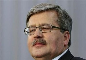 Коморовский по-прежнему лидирует в президентских рейтингах в Польше