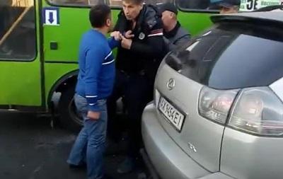В Харькове подрались водители маршрутки и Lexus