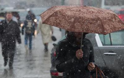 Украинцев на выходных ждут дождь и мокрый снег