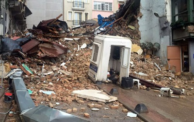 У Стамбулі завалився п ятиповерховий будинок