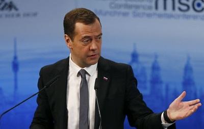 Медведев заявил о новой  холодной войне  с Западом