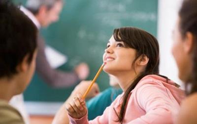 Старшокласникам спростять навчальну програму