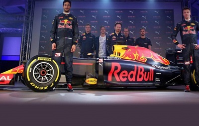 Red Bull провел презентацию новых цветов машины