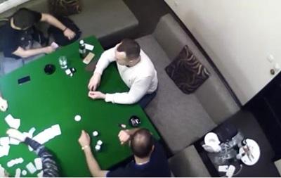 Похожий на сына Авакова парень проиграл в казино сумку денег