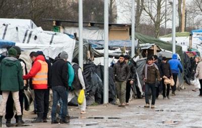 Мигрантов в Кале выселят решением суда, несмотря на протесты