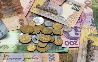 Средняя зарплата рухнула почти на тысячу гривен