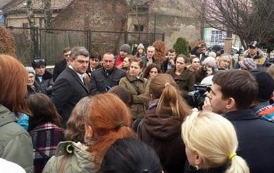 В Ужгороді вимагають від поліції заарештувати вбивцю собаки