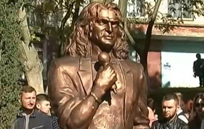 У Луцьку демонтували пам ятник Скрябіну
