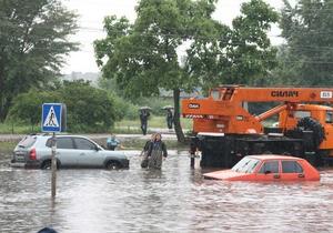 В Черкассах за ночь выпала двухмесячная норма осадков: мост через Днепр частично перекрыт