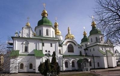 Порошенка просять заборонити доступ УПЦ КП до Софії Київської