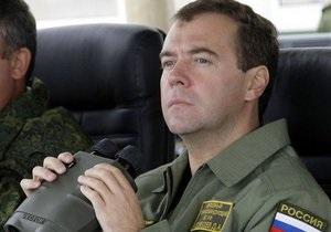 Медведев намерен сам принимать решения об использовании армии за рубежом