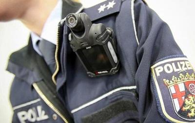 Немецкие полицейские будут носить видеокамеры