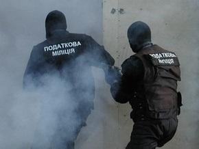 Запорожские налоговики открыли стрельбу по сотрудникам милиции