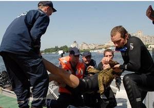 В Запорожье 13 отдыхающих отнесло ветром в Азовское море