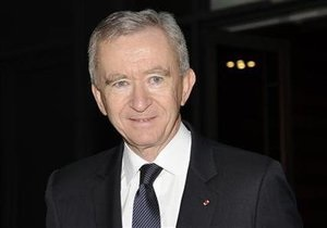 Самый богатый француз решил сменить гражданство