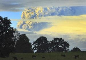 Извержение вулкана в Чили: власти эвакуировали около 600 человек