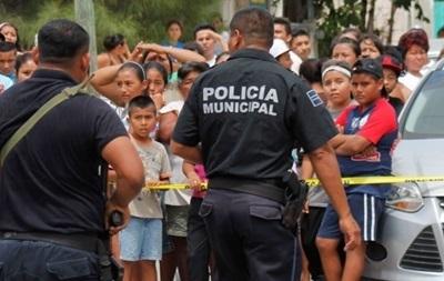 У Мексиці в перестрілках з поліцією вбиті дев ятеро бандитів