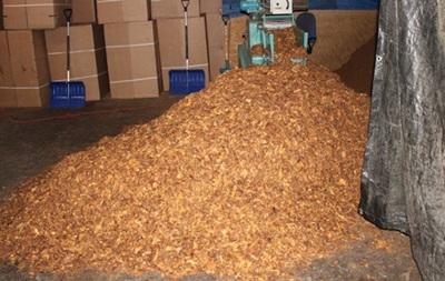 Українці заполонили тіньовий бізнес тютюну Польщі