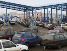 Пересекать украинско-польскую границу стали реже