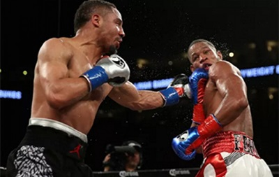Бокс: Уорд победил Барреру
