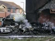 При крушении самолета в Англии погибли известные гонщики
