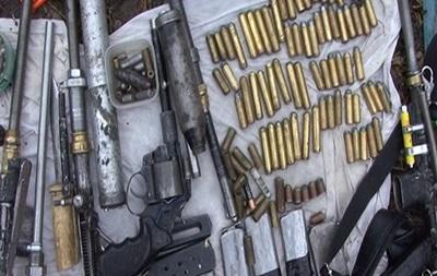 Луганчанин налагодив виробництво зброї в гаражі Києва